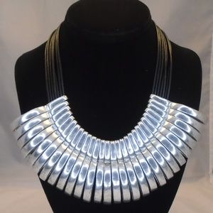 LYDELL NYC CHUNKY COLLAR STATEMENT NECKLACE NWT